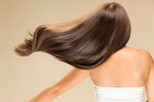 ツヤツヤの髪をつくるトリートメントのやり方
