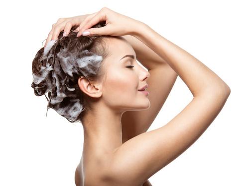 ダメージから髪を守るシャンプーのやり方