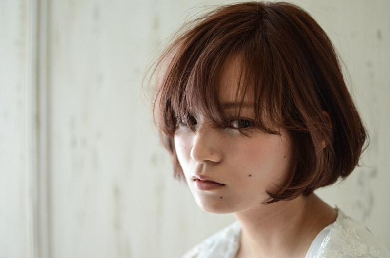 鬱陶しい前髪が女性らしい